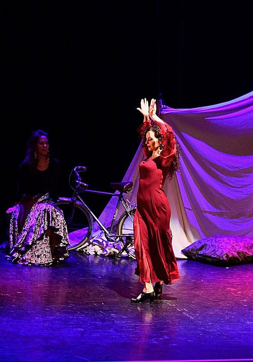 DANSE ET MUSIQUE : Troupe Romano Atmo - ZD / Productions et Atelier Théâtre Actuel